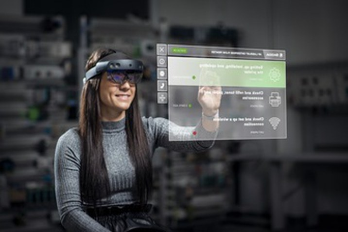kiterjesztett valóság szemüveget használ a ŠKODA AUTO